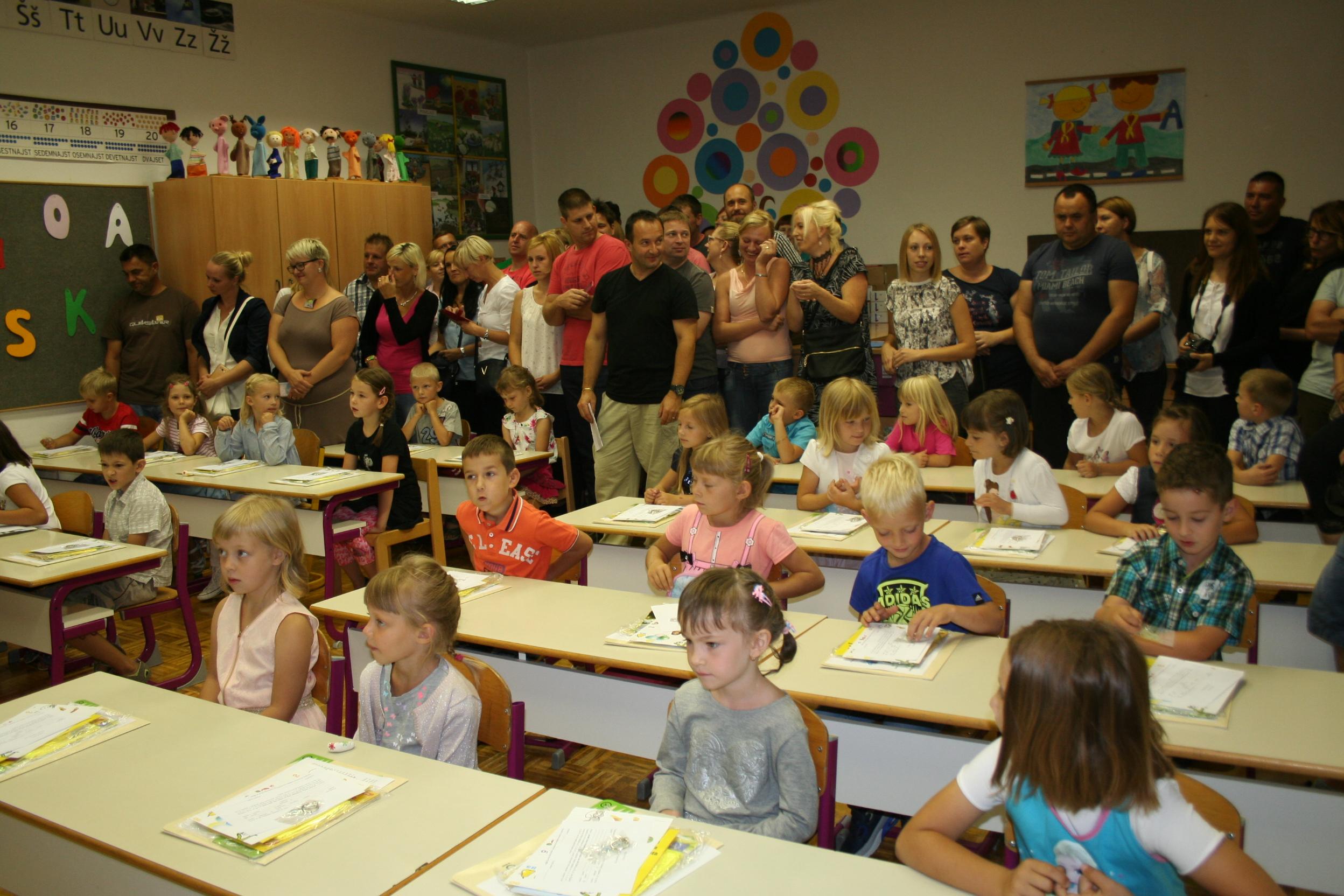 Prvošolci vstopili v šolo